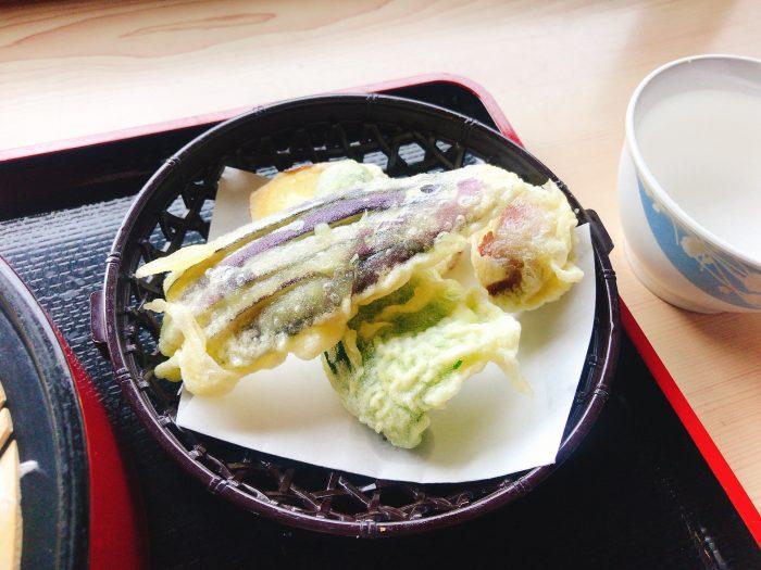 野菜てんぷらは4種長野市中条道の駅信州そば